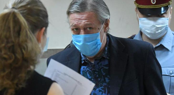 """Осужденный на 8 лет за пьяное ДТП актер Ефремов хочет отбывать наказание в Чувашии: """"Там мой предок, там мои корни"""""""