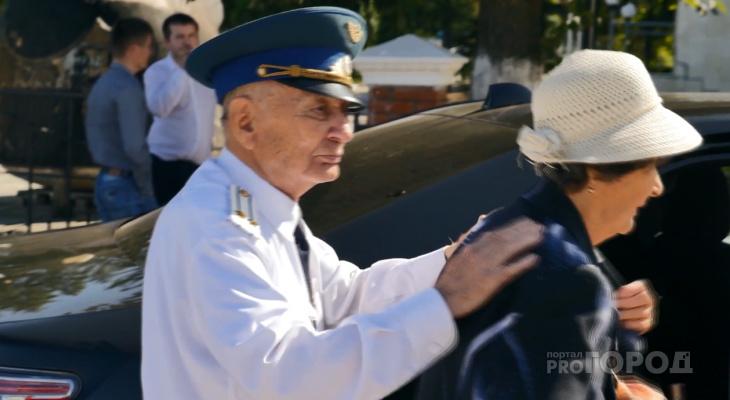В двух городах Чувашии ветеранов начнут бесплатно катать на такси