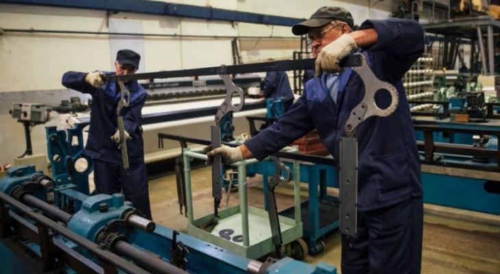 В Чувашии уменьшились среднемесячные зарплаты на 658 рублей