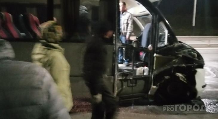 """Автобус из Чувашии попал в ДТП по дороге в Москву: """"Водитель не знал дорогу и заснул"""""""