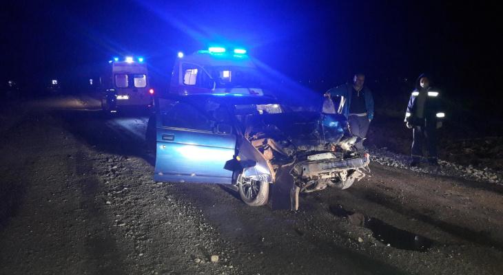В ДТП с грузовиком в Цивильском районе пострадали два человека