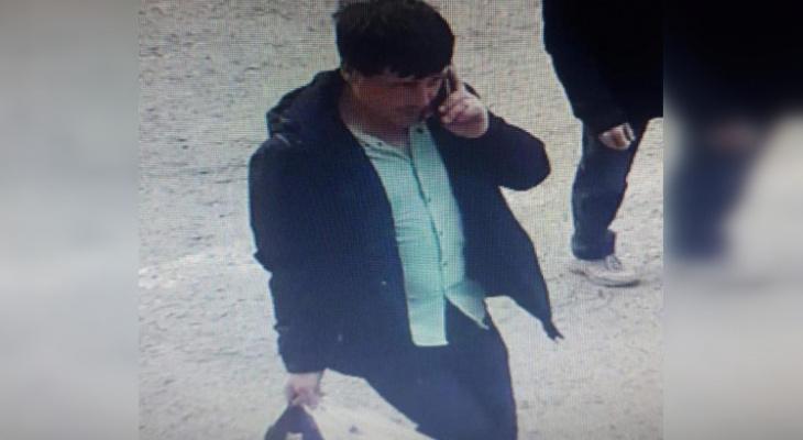 Розыск: полиция ищет мужчину 20-30 лет, который нашел банковскую карту