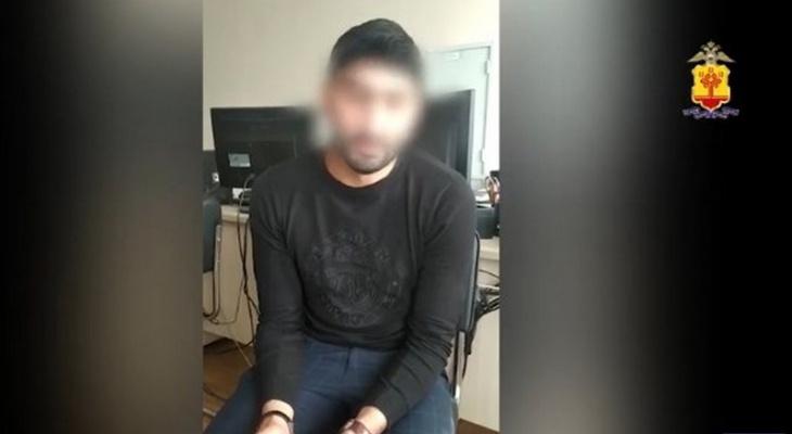 """Мужчина притворился женщиной и предложил жителю Чебоксар секс-услуги: """"К вам на выезд или вы ко мне?"""""""