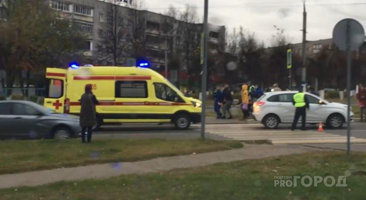 В Новочебоксарске Lada X-Ray сбила пешехода на зебре