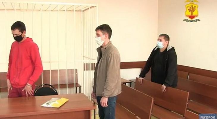 """""""Черные риелторы"""" обманули чебоксарок и нанесли ущерб в 3 млн рублей: """"Только тебе подпись надо поставить"""""""