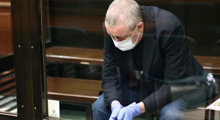 Ефремову уменьшили срок, за него вступились сотни чувашей