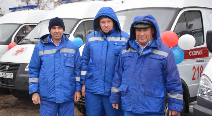 Семь районов Чувашии получат новые машины скорой помощи