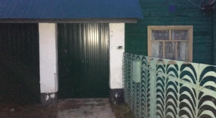 В Канашском районе в одном из частных домов нашли тела двух человек