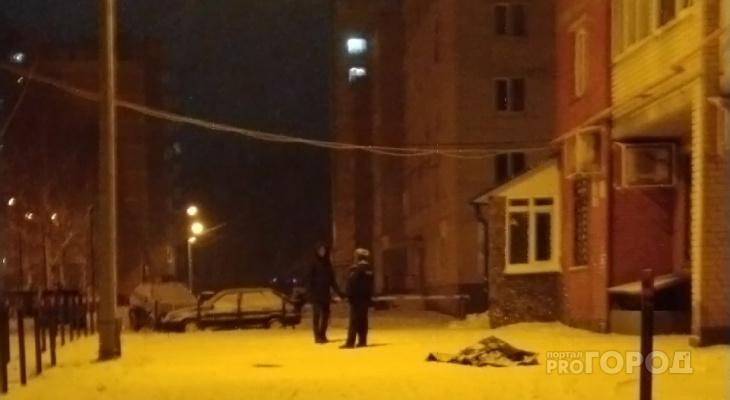 Под окнами дома в Альгешево нашли тело молодой женщины