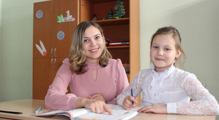 Молодая учительница цивильской школы проводит уроки в игровой форме