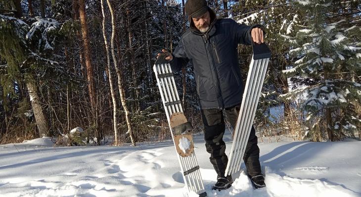 Чувашский изобретатель смастерил снегоступы из подручных материалов