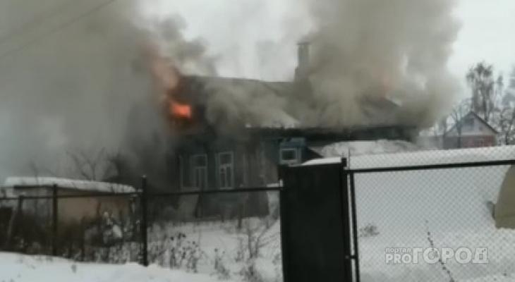 Появились видео и причина пожара в Альгешево