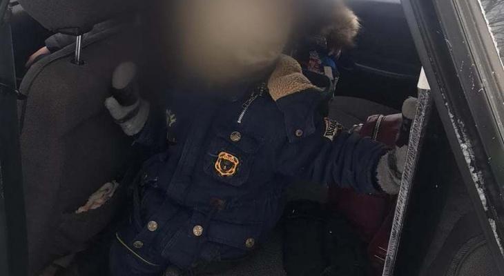 В Чувашии пьяный водитель вез двух маленьких детей