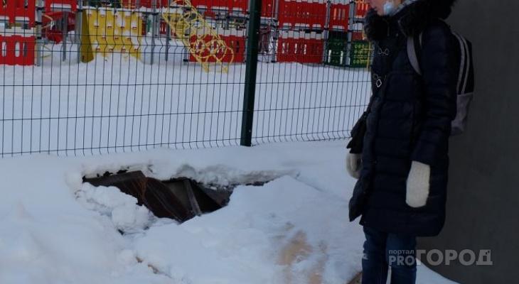 Ребенок провалился в подземную парковку на детской площадке: прокуратура накажет и мать, и УК