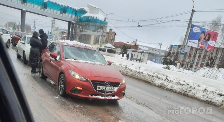 Надземный переход на Марпосадском шоссе стал опасен для водителей
