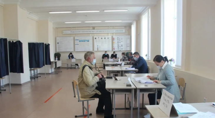 «Единая Россия» утверждает, что с применением новой модели предварительное голосование будет организовано максимально открыто и конкурентно