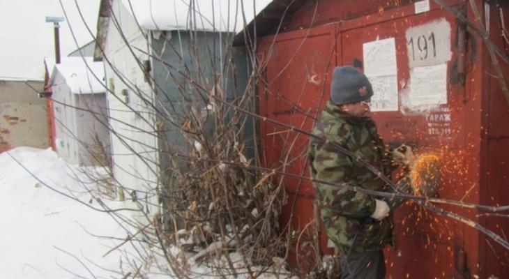 Путин упростил порядок оформления прав жителей на гаражи и землю под ними