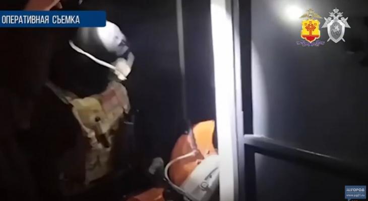В Чебоксарах штурмом взяли игровой салон, который притворялся офисом криптовалюты