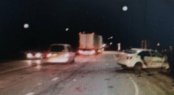 В Моргаушском районе в ДТП попала машина такси: водитель погиб, пассажир в больнице