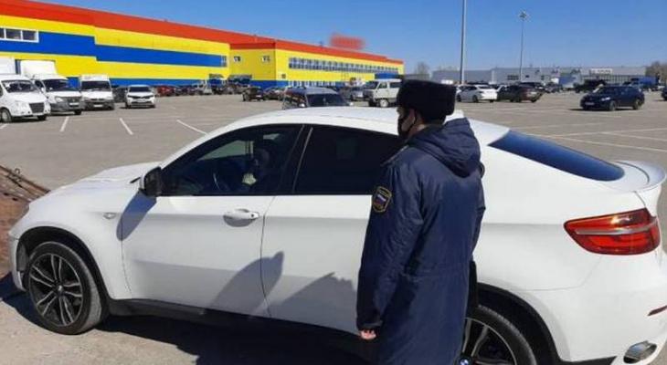 Владелец BMW X6 заплатил долг в 260 тысяч рублей сразу после ареста авто