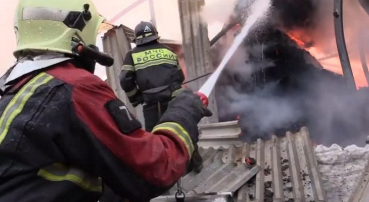 Названа предварительная причина пожара на складе в Чебоксарах