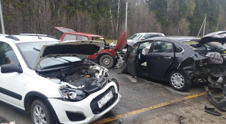 Массовое ДТП с 7 пострадавшими произошло на въезде в Чебоксары