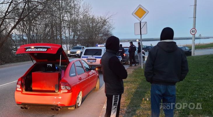 Любители заниженных автомобилей приехали на сходку и сразу получили 26 штрафов