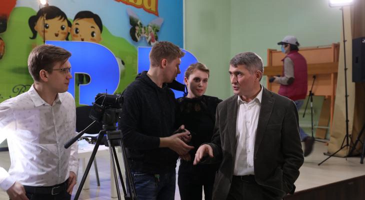 Николаев назвал причиной для молодежи остаться работать в Чувашии конкурентную зарплату