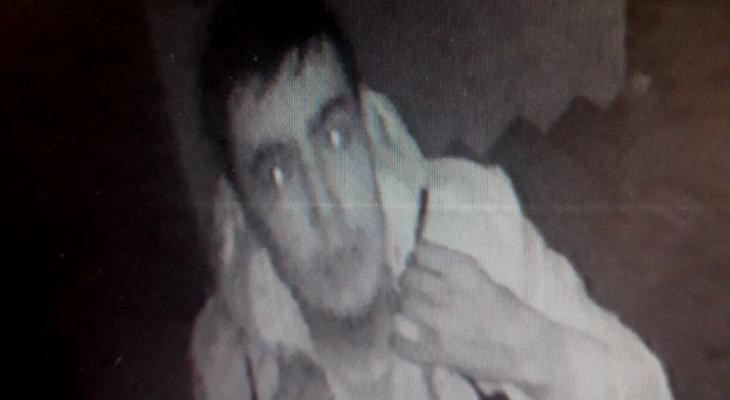 В Чебоксарах объявлен розыск мужчины: он проник в кладовку, но попался на камеру