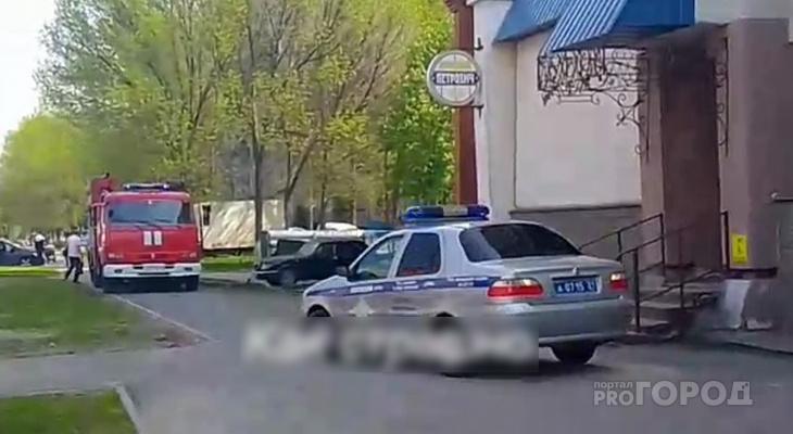 В Чебоксарах загорелась квартира: жильцы эвакуировались на улицу