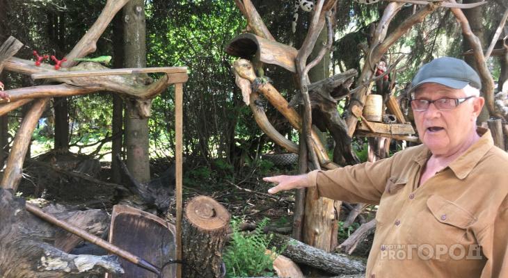 """Мужчина 30 лет создает во дворе чебоксарского дома музей: """"Экономлю, занимаю деньги и покупаю раритеты"""""""