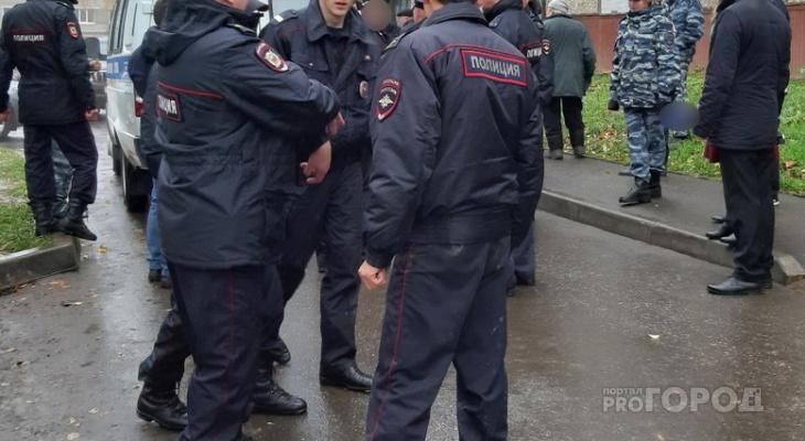 В Новоюжном районе под окнами многоэтажки нашли тело мужчины