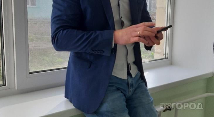 Работник салона сотовой связи продавал сведения о телефонных звонках жителей Чувашии