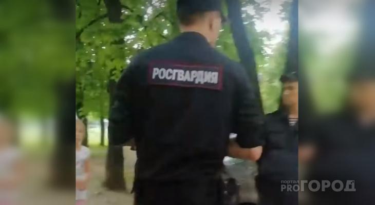 Напавшего на двух человек 28-летнего чебоксарца могут привлечь по уголовной статье