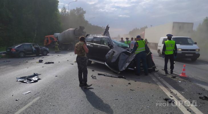 На трассе М7 погиб водитель Land Cruiser в столкновении с КамАЗом