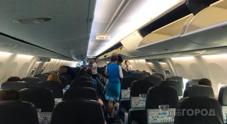 """Чебоксарский врач помогла в аэропорту серьезно пострадавшей девочке: """"Она упала и повредила голову"""""""