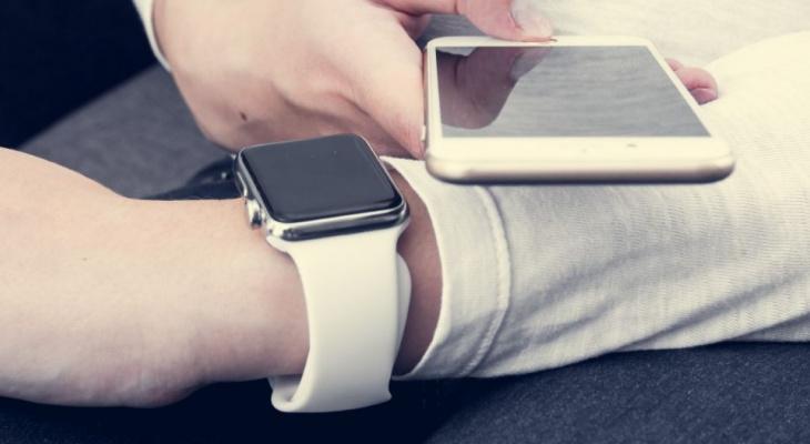Сверим часы: родители стали чаще покупать гаджеты своим детям