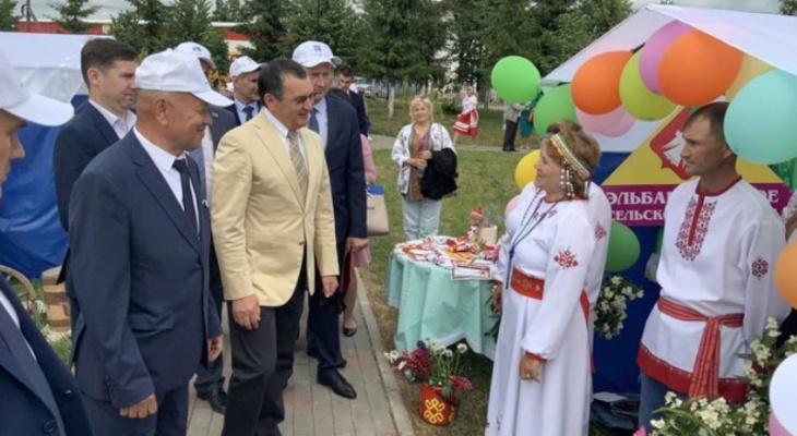 Сенатор Федоров получил особенную награду в Мариинском Посаде