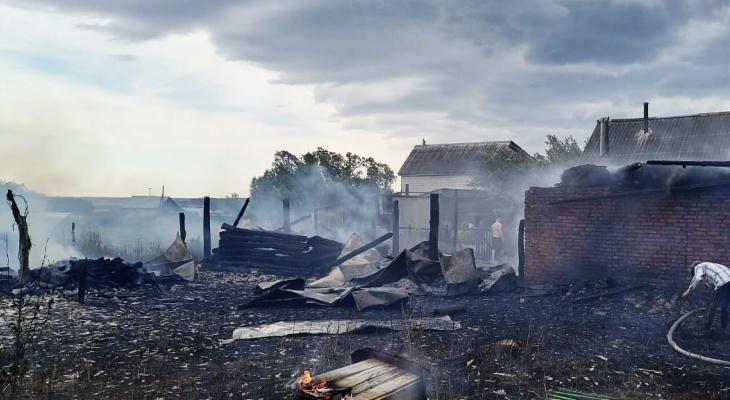 Родители заплатят 1 млн рублей за хозяйство, которое спалили их дети