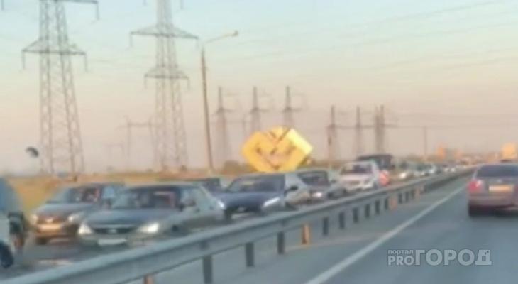 На въезде в Чебоксары образовалась многокилометровая пробка