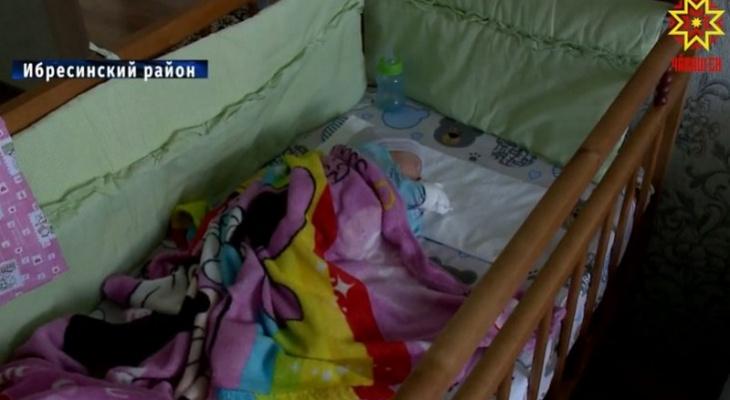 Врачи экстренно выехали в отдаленный район Чувашии ради двойняшек, родившихся в многодетной семье раньше срока
