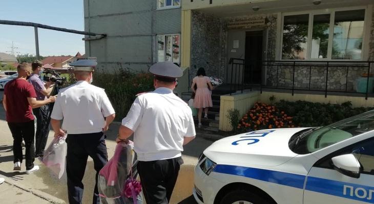Инспекторы приехали на выписку к маме и ребенку, который родился в машине