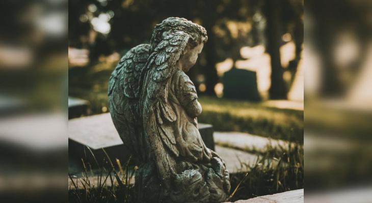 Специалисты рассказали, из чего состоит памятник на могилу