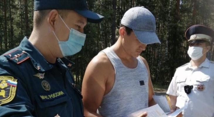 МЧС Чувашии продолжает штрафовать за костры в лесу