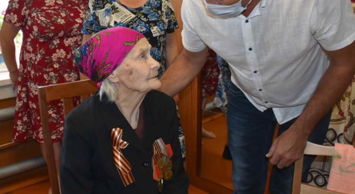 Учительнице в Козловском районе исполнилось 100 лет:  среди ее учеников Заслуженные работники Чувашии и России