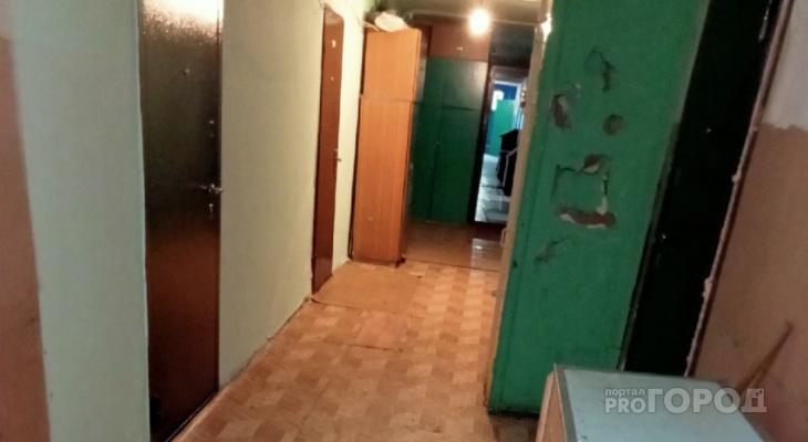 """В общежитии Новочебоксарска нашли недельный труп: """"Лежал и разлагался, пахнет ужасно..."""""""