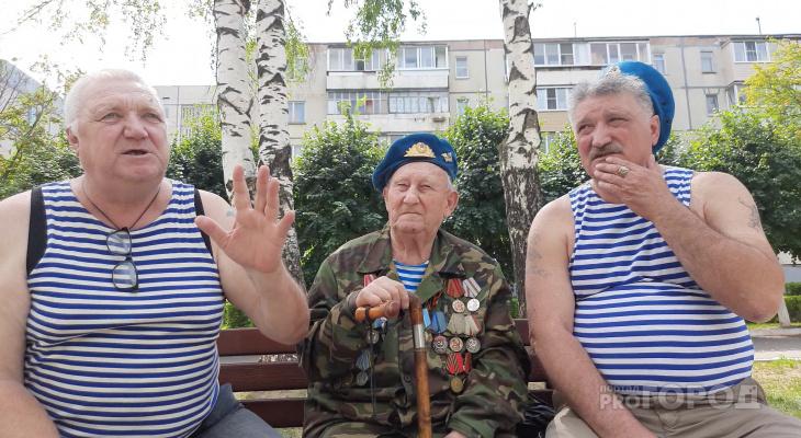 Новочебоксарские десантники развенчали миф о купании в фонтанах