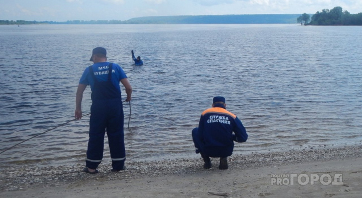 """В Новочебоксарске утонул мужчина: """"Когда плавала, опустила ноги на дно и наступила на чью-то руку"""""""