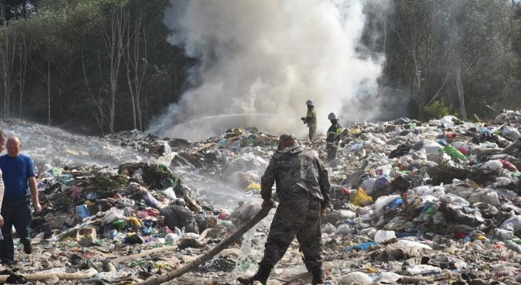 Спустя два года в Шумерле вновь загорелся мусорный полигон
