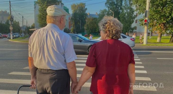 Когда пенсионеры получат обещанные Путиным 10 тысяч рублей